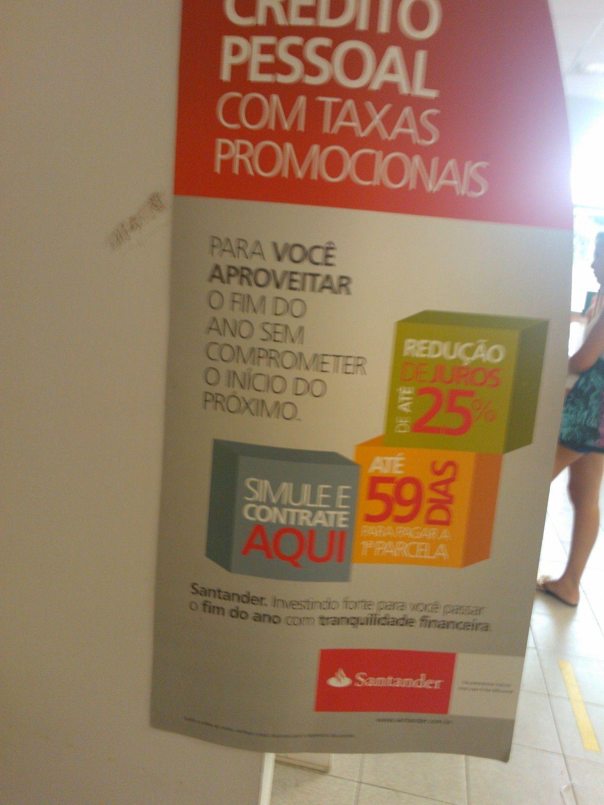 Dia 18/03/13 e o Santander fazendo campanha para o fim de ano? Ou esqueceram de tirar os cartazes?