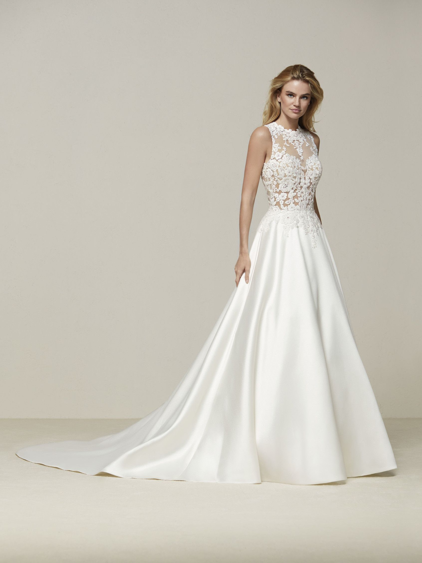 Drusena ist ein ärmelloses Brautkleid in Zweiteiler-Optik ...