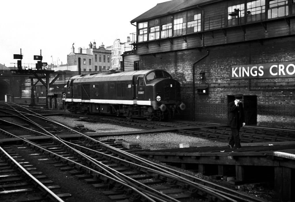 1,100hp Bo-Bo 'Baby Deltic' No. D5907 outside Kings Cross Signal Box. Under TOPS this was designated as a class 23 but was never renumbered.
