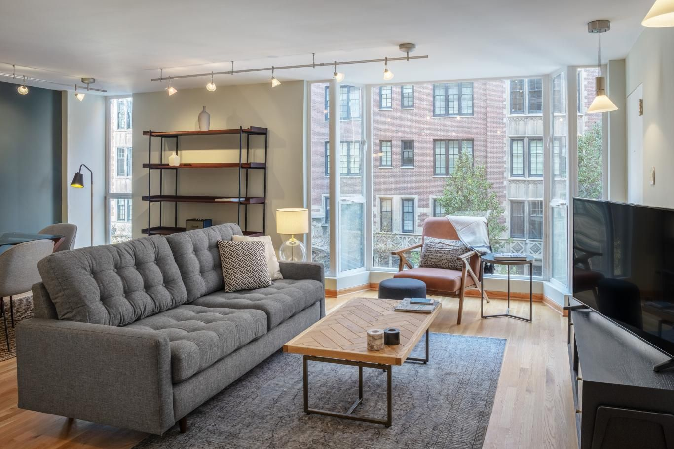 227 East Walton Place 4w Apartment For Rent In Chicago Blueground In 2020 Apartments For Rent Furnished Apartment Apartment