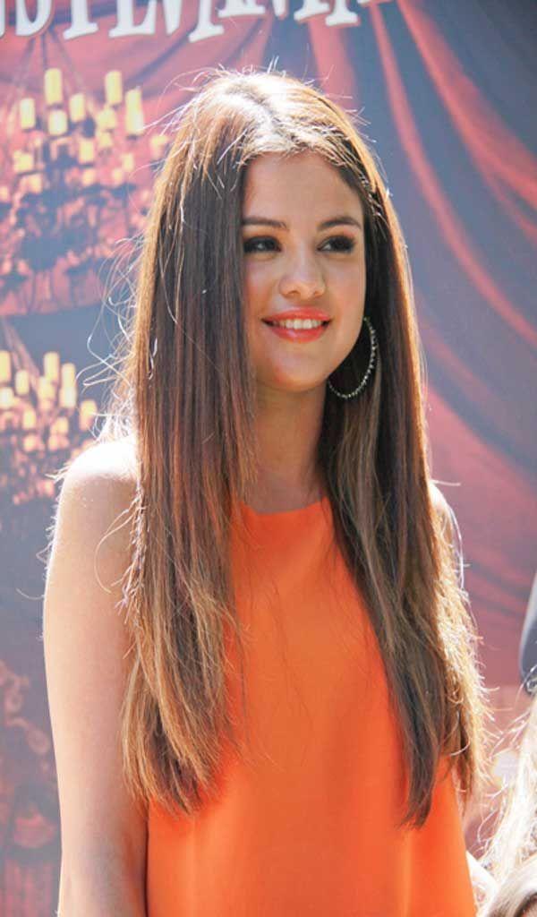 Selena gomez zimbio dating service