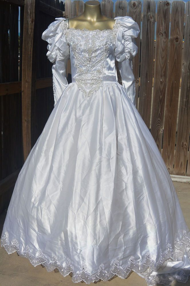 Vintage Princess white wedding dress A-line embroidered beads s ...