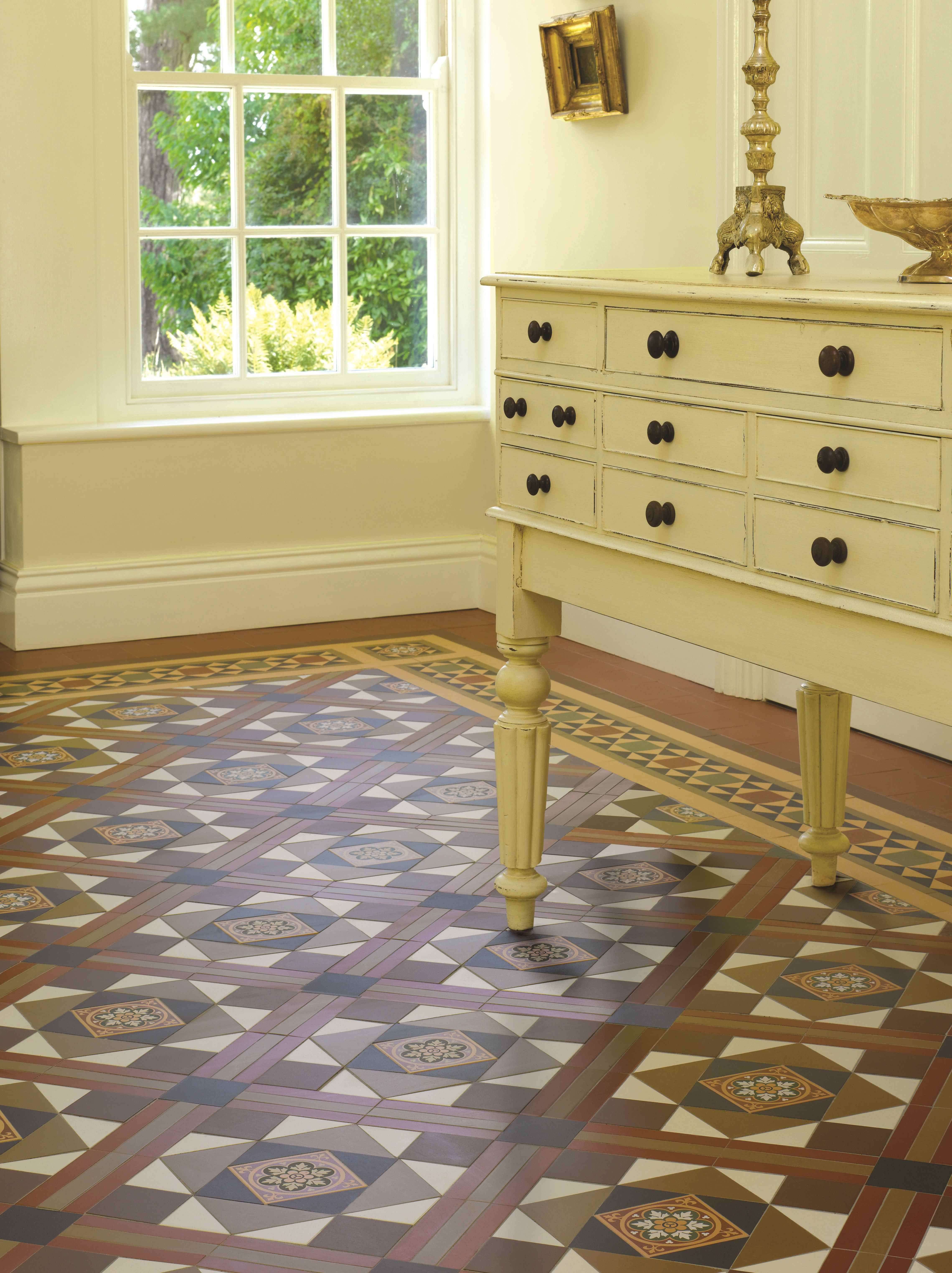 Pin by lita kellie on sup pinterest victorian tiled hallway victorian floor tile lindisfarne pattern with modified stevenson border in royal palladian black dover white brown and red dailygadgetfo Image collections