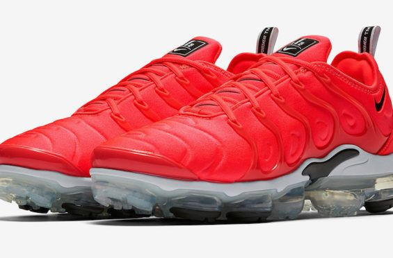 reputable site 40b18 6e7c6 Bright Red Coats This Upcoming Nike Air VaporMax Plus ...