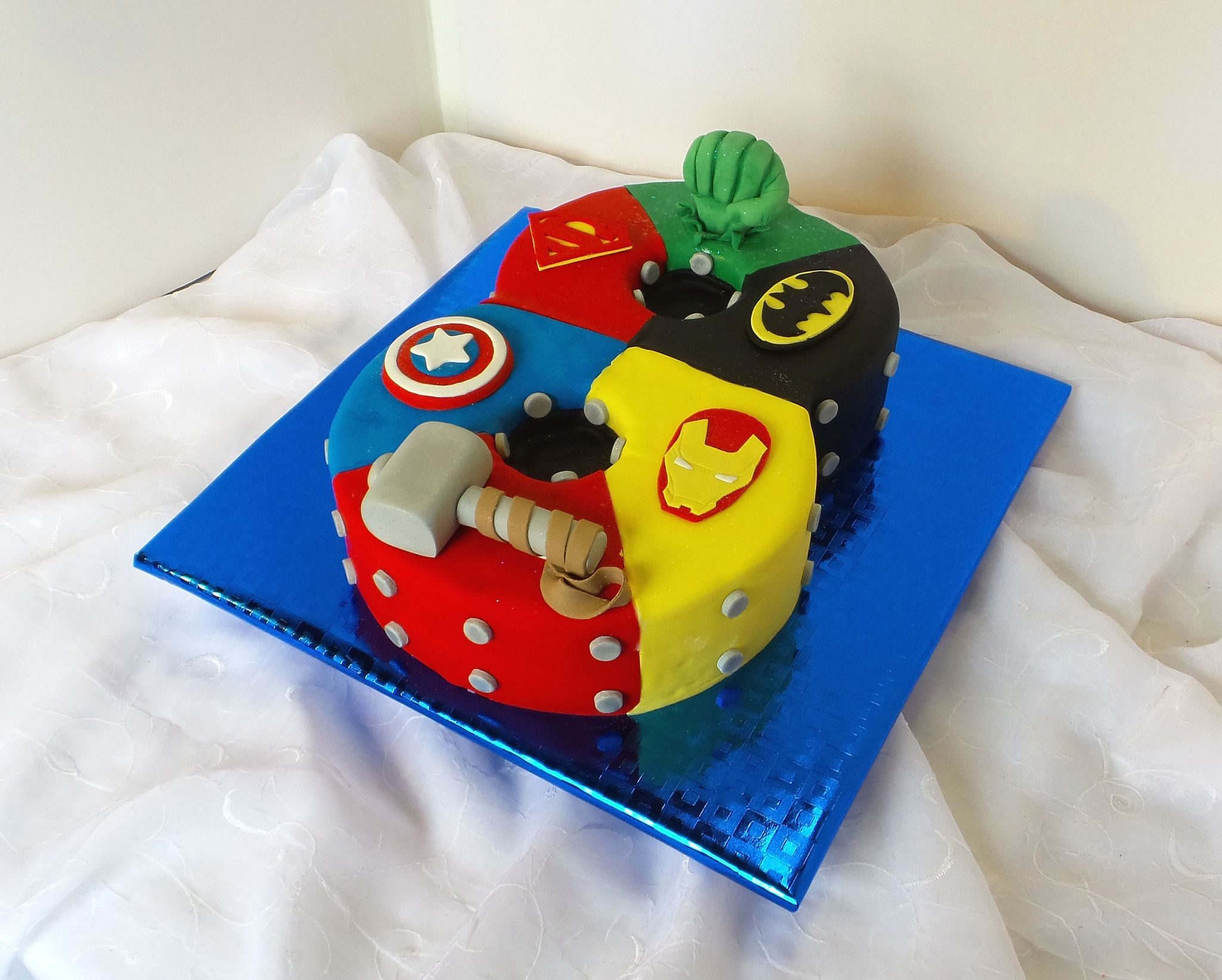 Number 8 Shaped Superhero Birthday Cake With Images Superhero