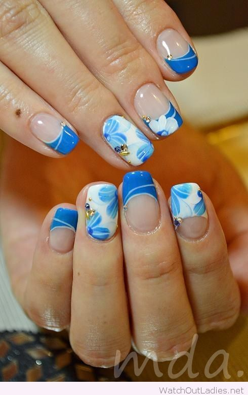Blue And White Nail Art With Flowers Details Watchoutladies