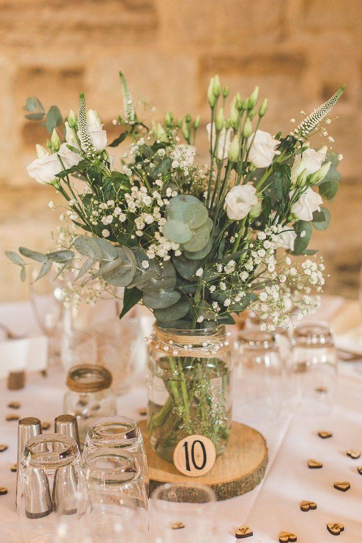 Glas Blumen Herzstück Tabelle Protokoll Grün Laub rustikale Outdoor Sommer Hoc…