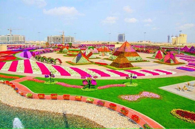 """Город чудес Дубай недавно представил новое чудо. """"Сад Чудес"""" — самый большой цветочный сад в мире."""