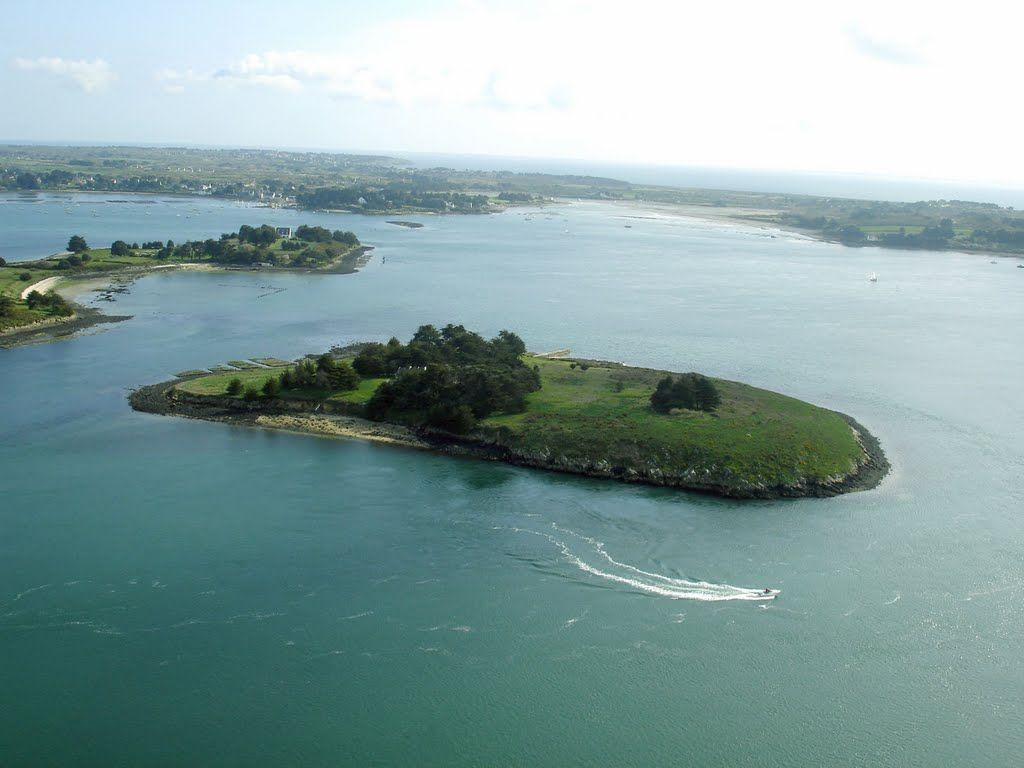 Île Brannec - Photo from helicopter