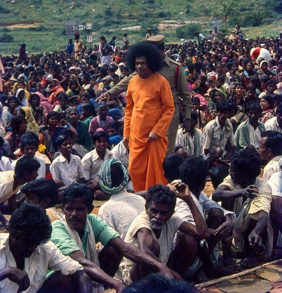 Pin on Sathya Sai Baba