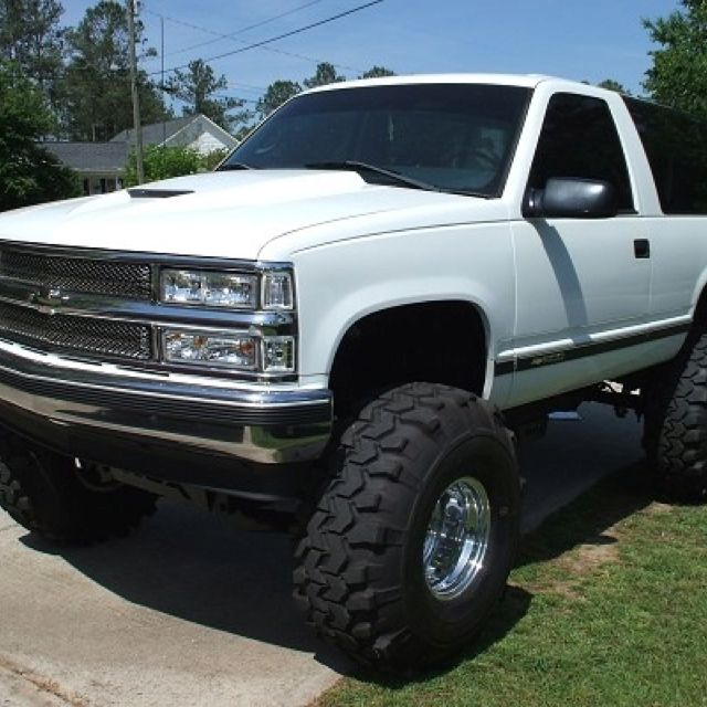 Pin By Destinee Hicks On Chevy Lifted Chevy Tahoe Lifted Chevy Trucks 2 Door Tahoe
