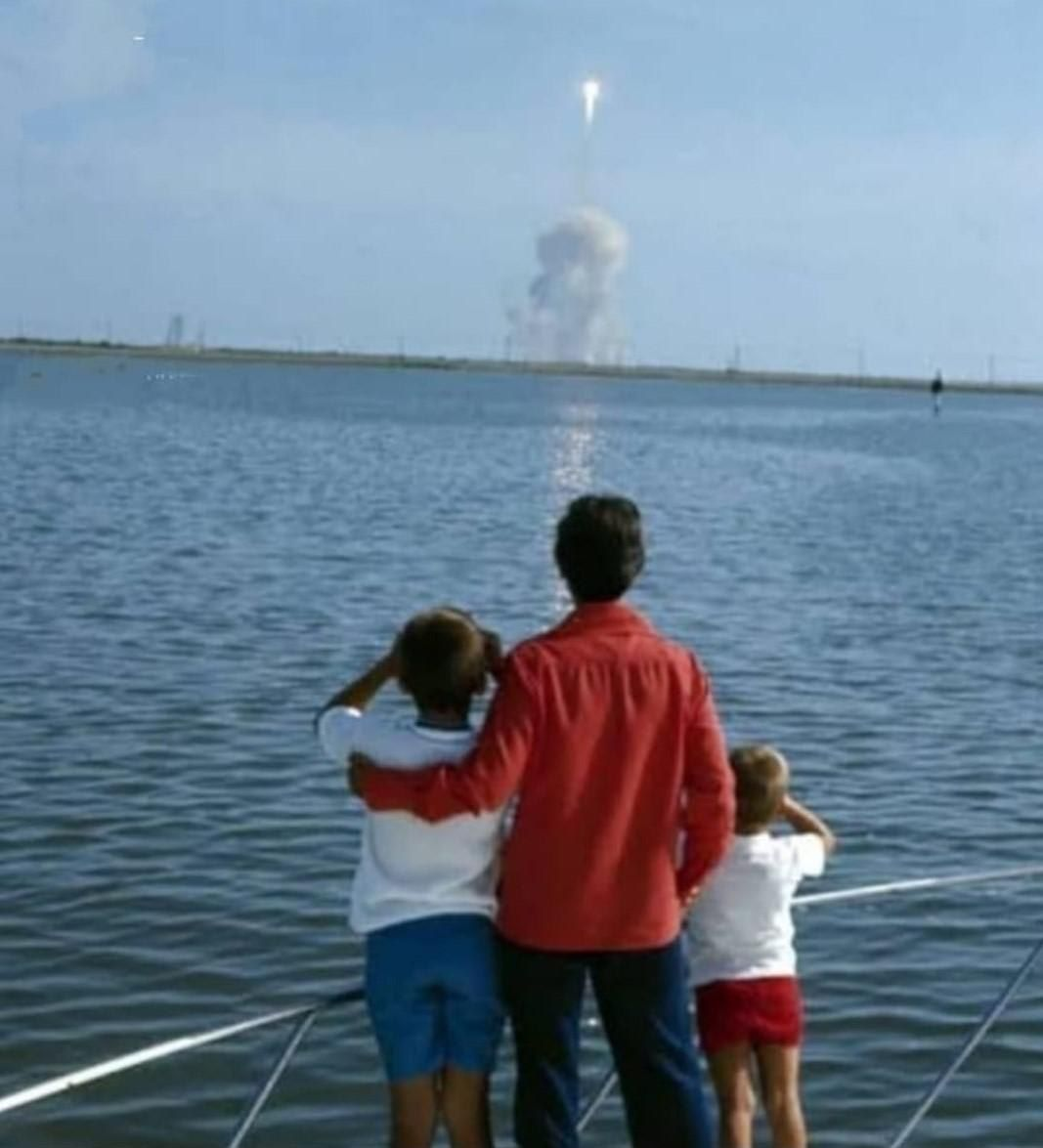 Neil Armstrongs Family Watching Their Dad Fly To T In 2021 Neil Armstrong Family Neil Armstrong Colorized History
