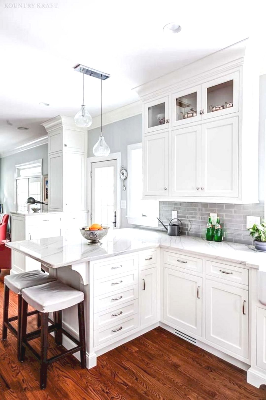 80 elegant kitchen design ideas for your in 2020 kitchen remodel small white kitchen design on kitchen cabinets not white id=45228