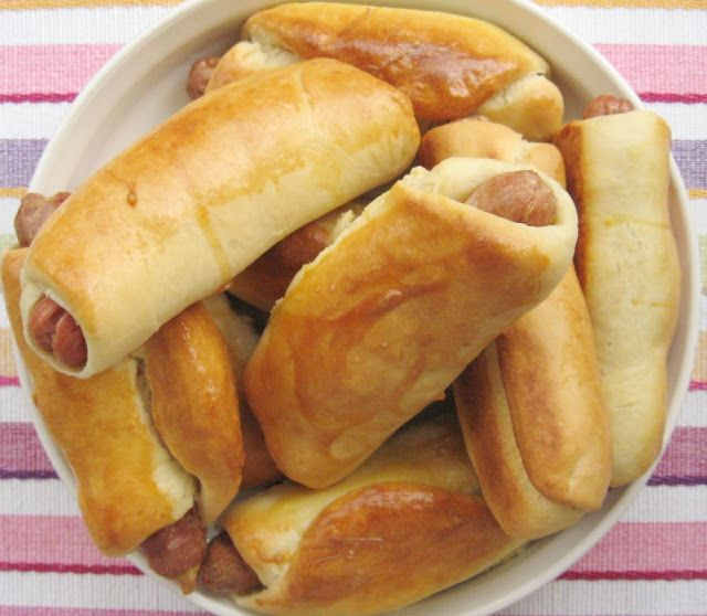 f o o d f o r t h o u g h t: PEKARSKE ROL KIFLE I ROL VIRŠLE  Hot dogs in a bun  WITH ENGLISH TRANSLATION
