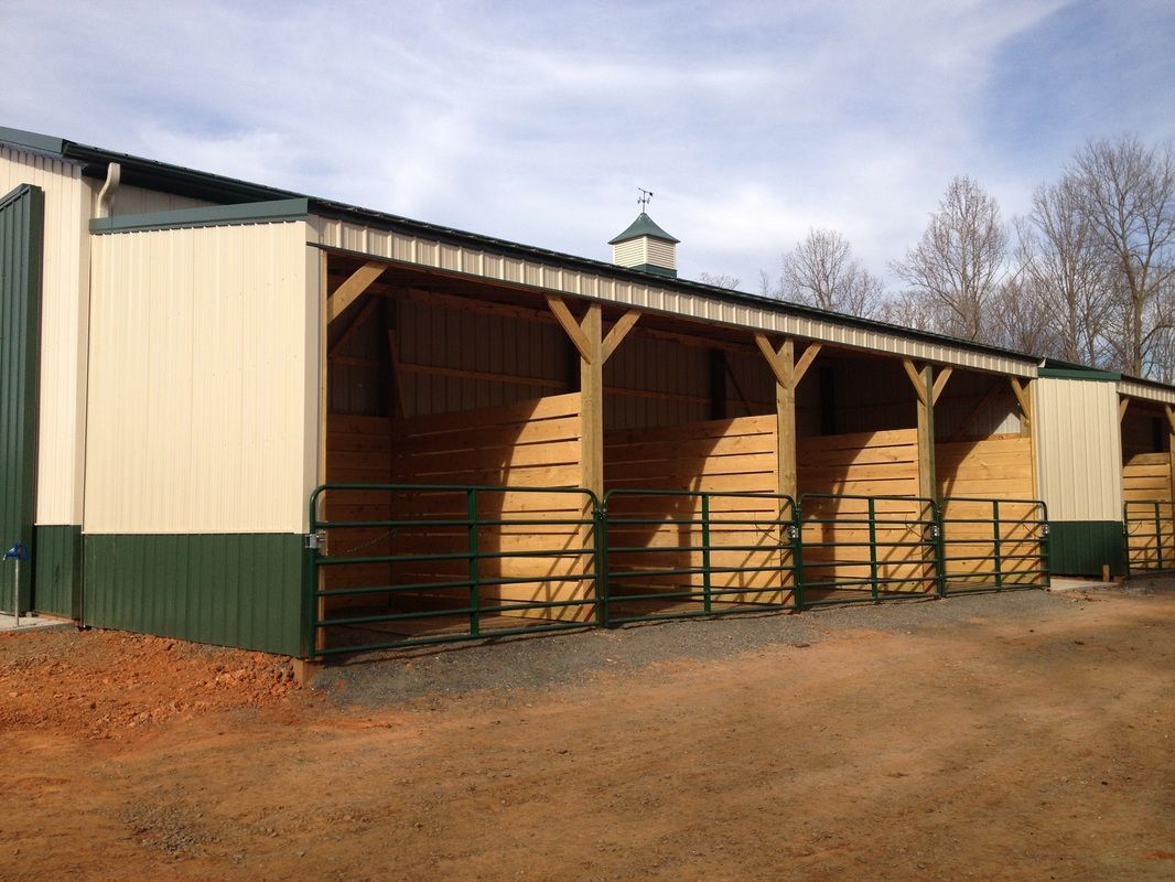 Out door horse stalls under lean to horse barns and for Lean to barn