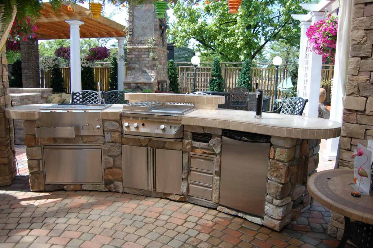Patio Ideas, Outdoor Kitchen  #LitehousePools #LitehousePools&Spas #Patio