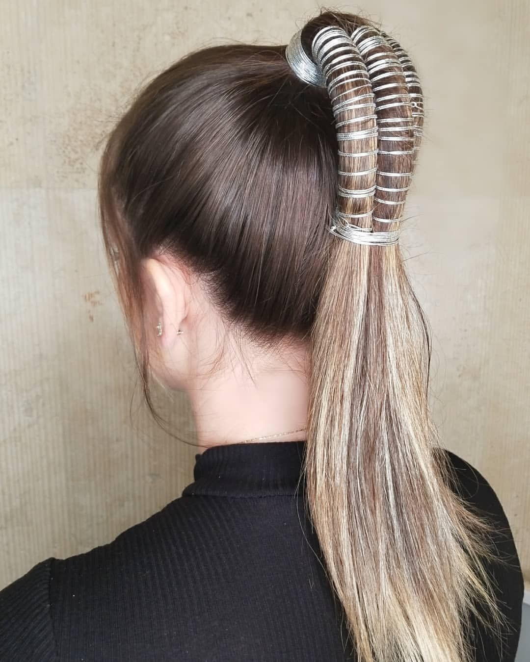 accessorize & ponytail it !!!! 👉 three strand infinity