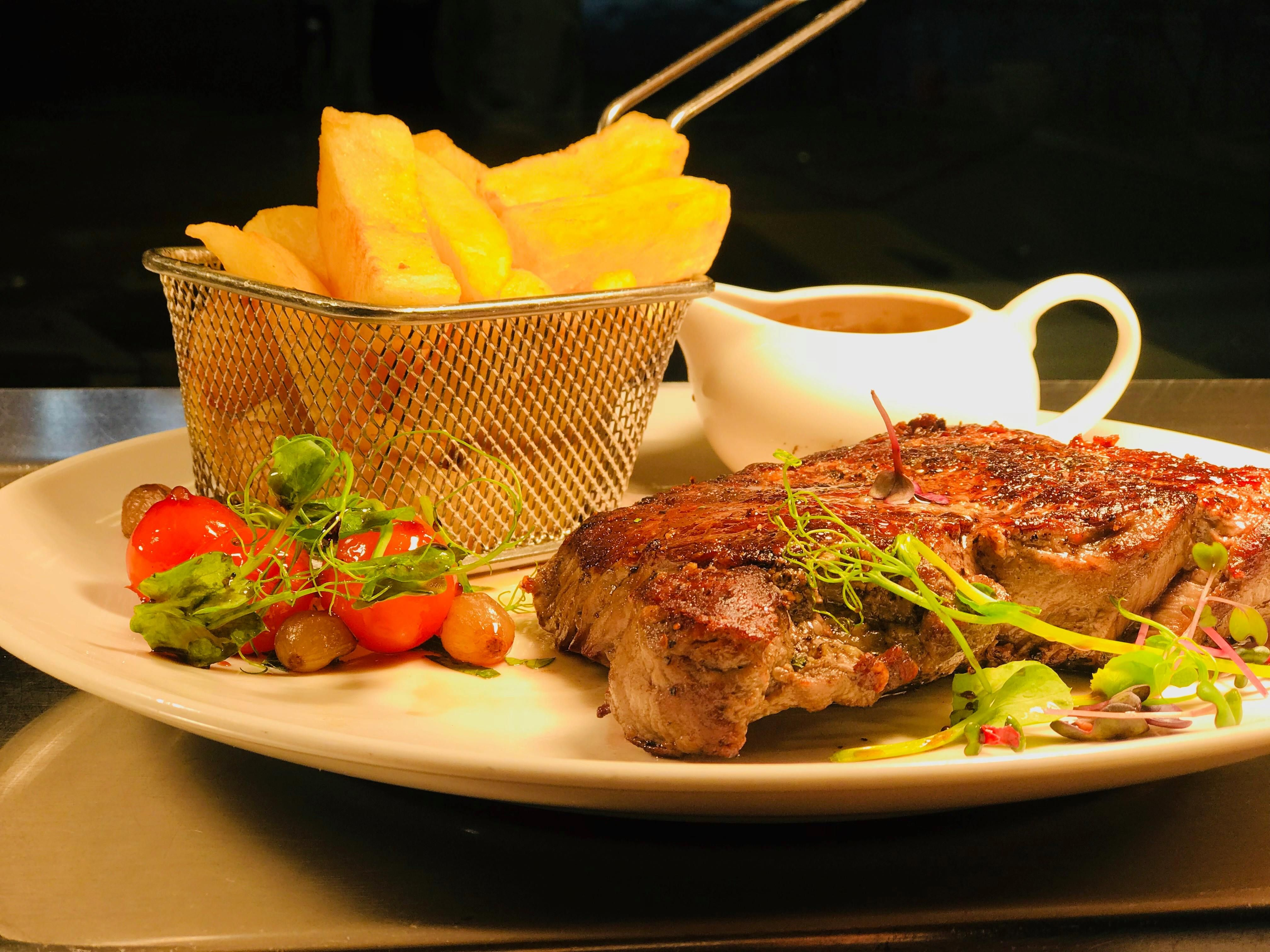 Available nightly from 5.30pm Bistro menu