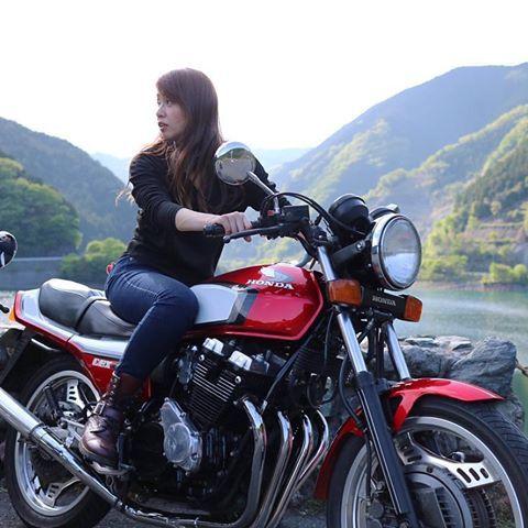 千ぃの跨りシリーズ おいらのcbx 笑 千ぃの跨りシリーズ Cbx550f Cbx400f 女性ライダー バイク女子 ガールズライダー 有馬ダム Nostalgic Caferacer カフェレーサー 旧車 バイク好きな人と繋がりたい カメラ好きな人 バイク 女子 バイカーの女の子
