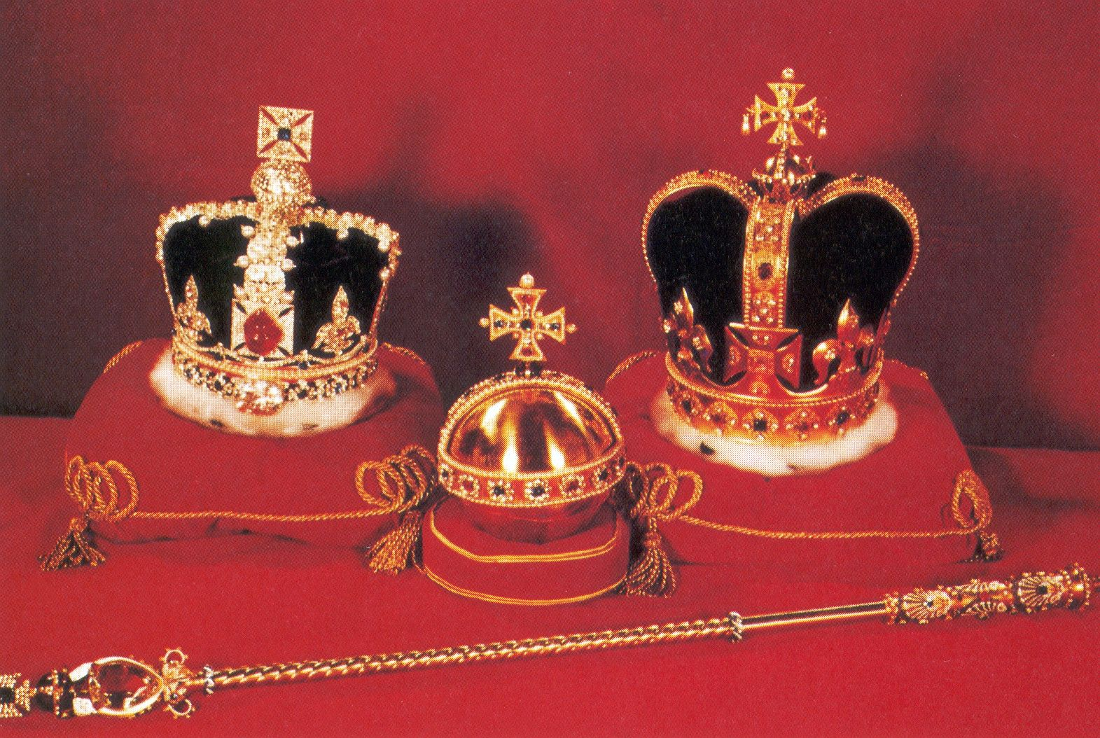 The crown jewels of England and the royal orb and scepter. Yes ...