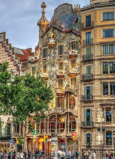 Casa Batlló A Gaudi Barcelona Viajar Por España Lugares De España Lugares Increibles