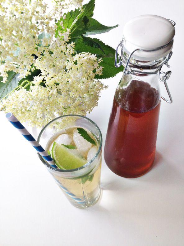 Hyldeblomstsaft med ingefær og lime