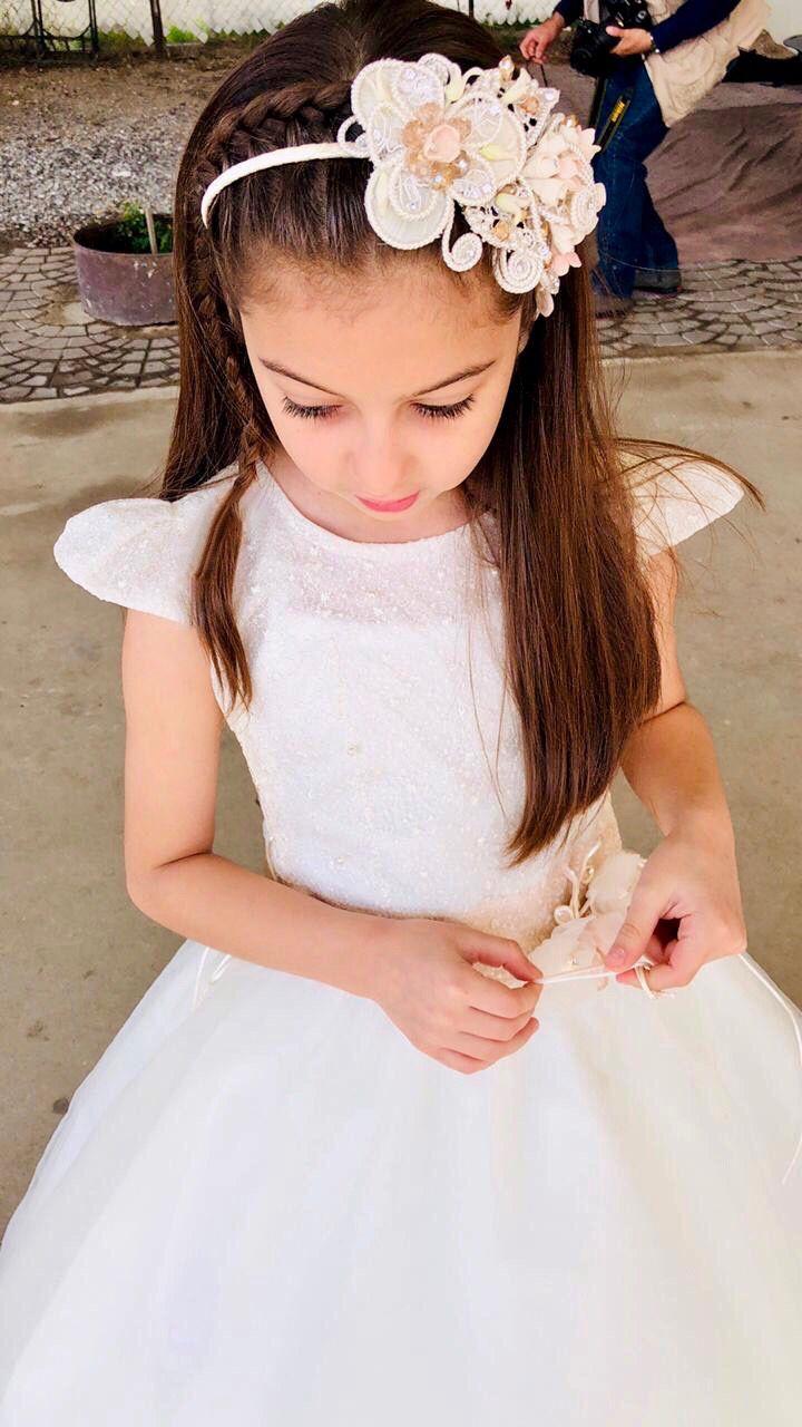 Fabuloso peinados niño comunion Fotos de cortes de pelo tendencias - Peinado con diadema   Peinados de comunion niña, Peinado ...