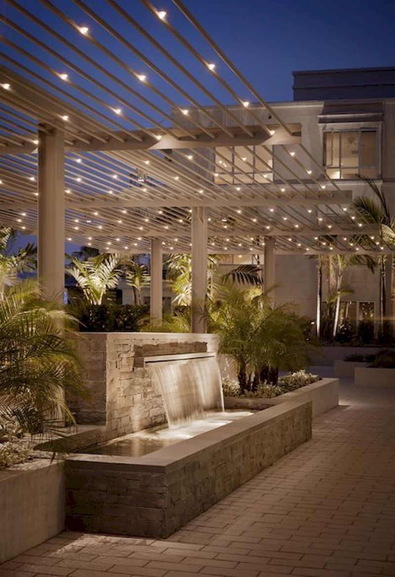 Beautiful Outdoor Lighting Ideas This Spring Decorhit Com Kolam Ikan Ide Halaman Belakang Arsitektur Modern backyard lighting ideas
