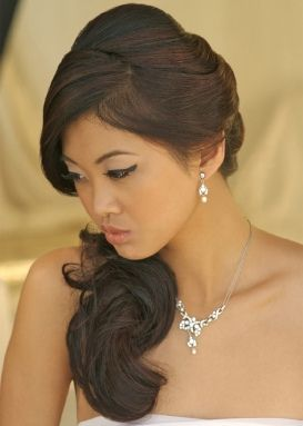 Romantic hairstyle for weddings