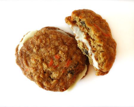 carrot cake whoopie pies? yes, please.
