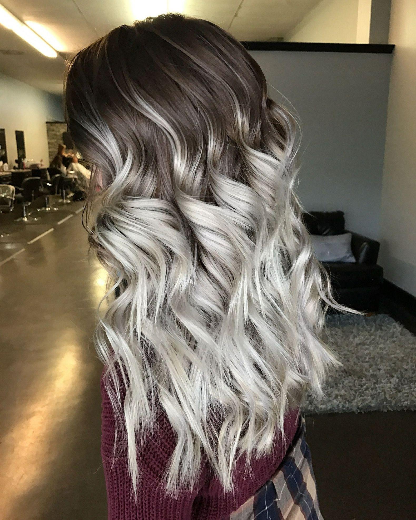 dunkler Ansatz Ombre Look Frisuren Frauen #haare #silber #