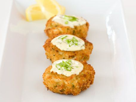 Baked Crab Cakes With Lemon Mustard Sauce