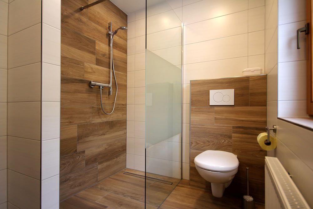 Badezimmer mit wc bad bathroom bath und