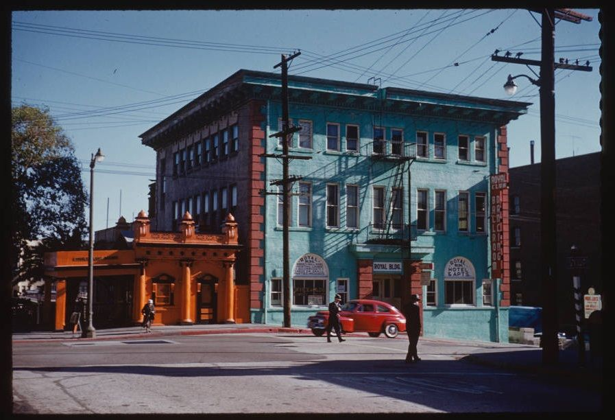 Amazing Kodachrome View Of Street Life Around The Upper Angels Flight Station In Its Original Bunker Hill Location At 3rd And Grand 1960 Adjacent Los Angeles