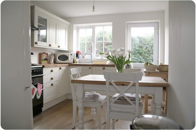 Arredare una cucina 3x3 - Cucina piccola in legno chiaro