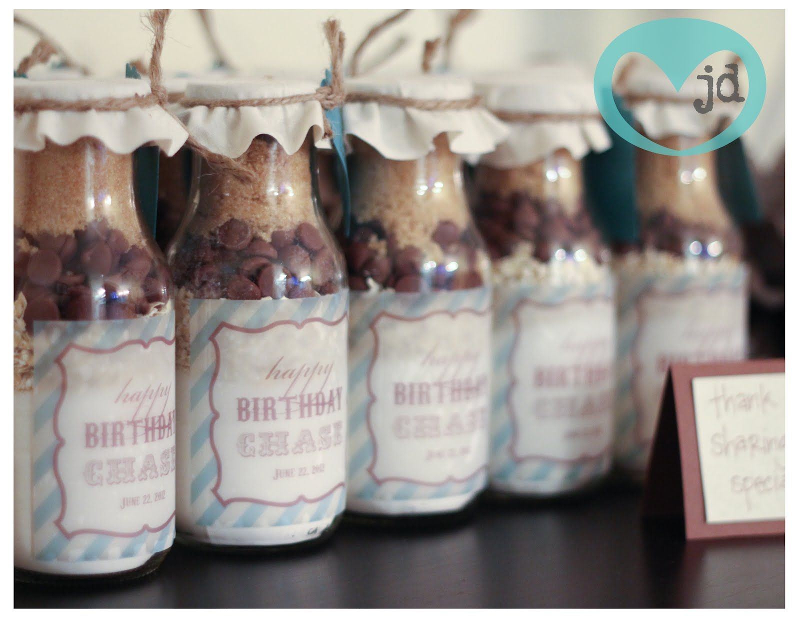 Milk bottle cookies great gift idea at christmas or as a for Glass bottle gift ideas