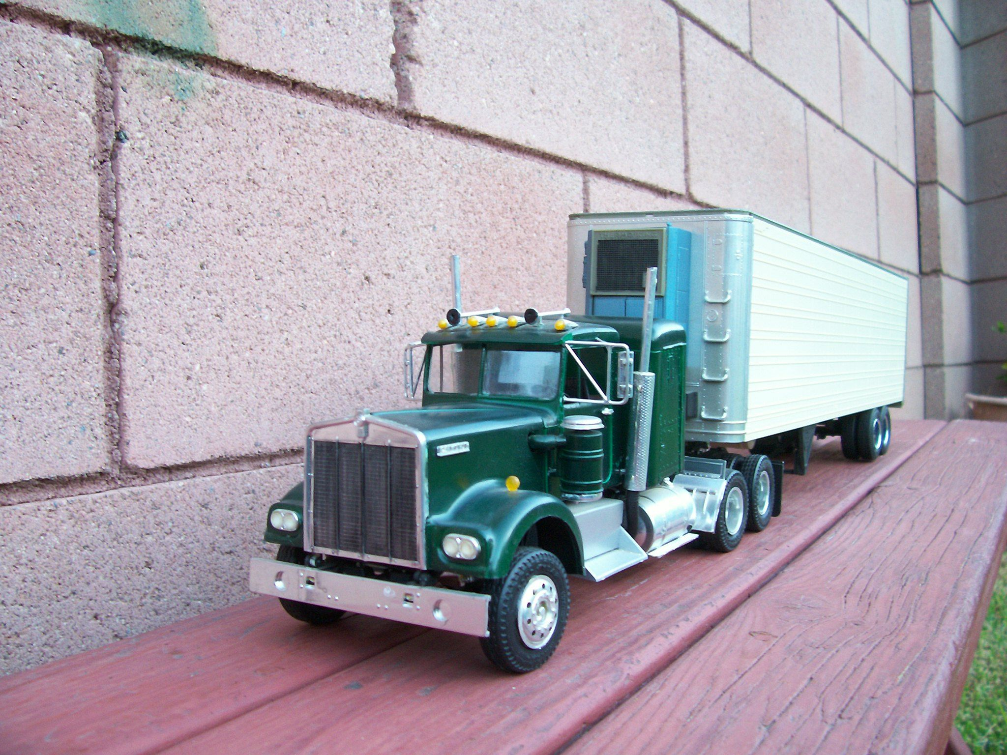Kenworth W925 model truck. Built from Amt movin on kit ...