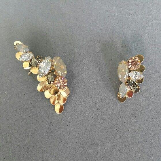 Fly Away Asymmetrical Earcuff Set in Nude and Opal