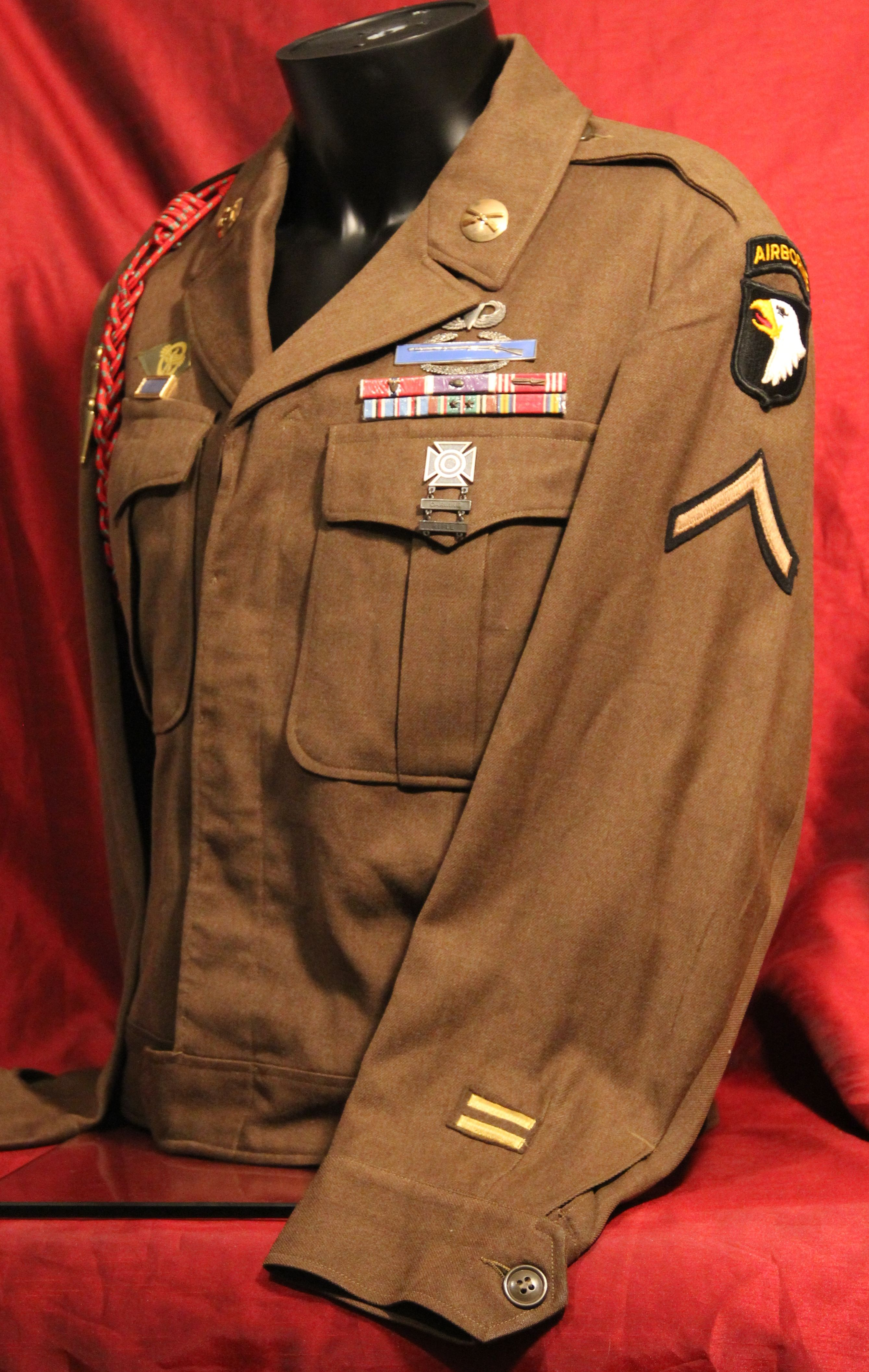 Post-WWII U.S. Army 101st Airborne Ike Jacket. The 101st ...