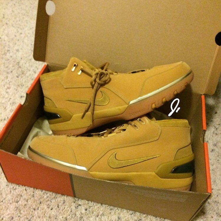 big sale 33168 77c91 Nike LeBron 1 Wheat  classic