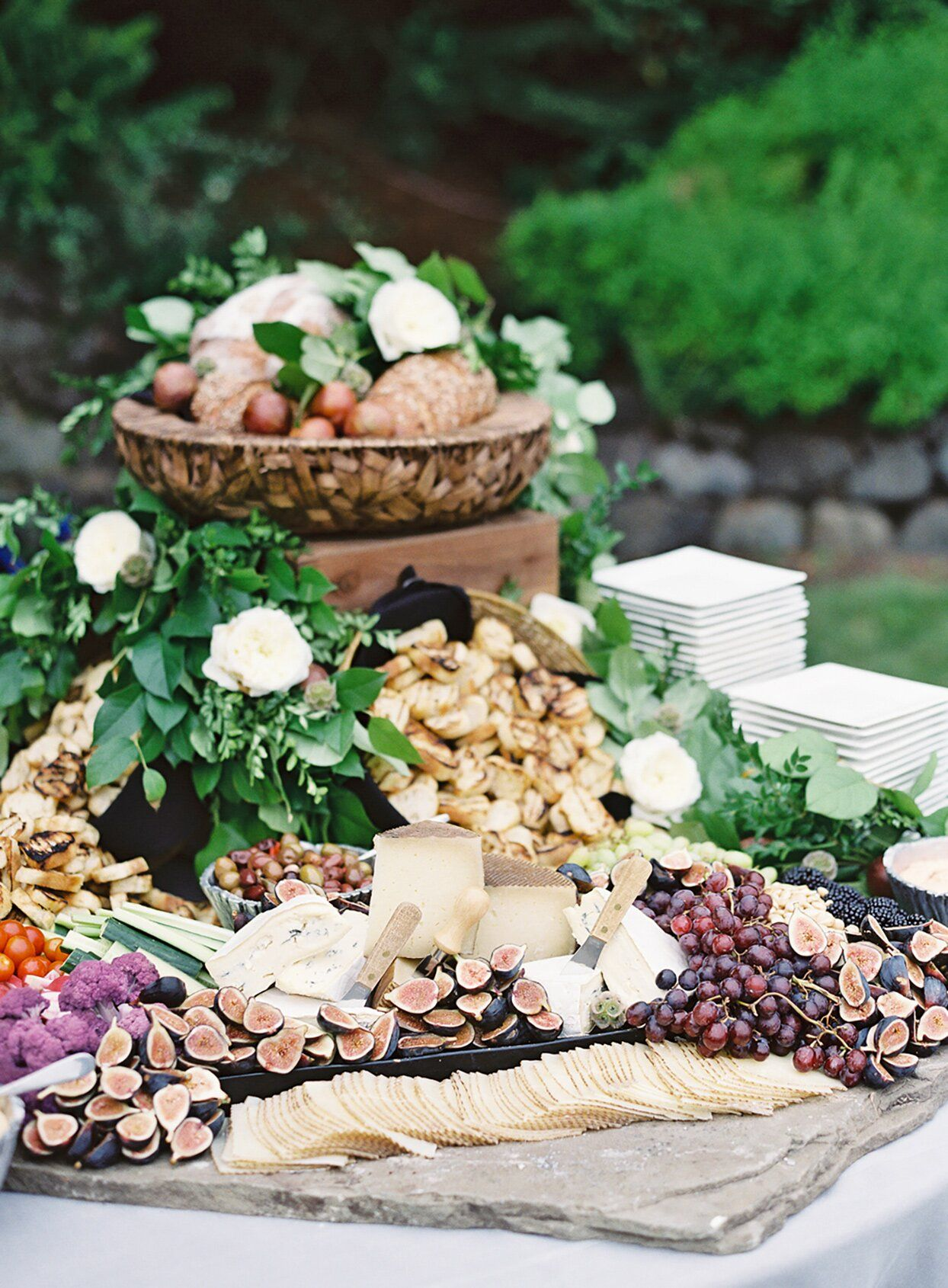 19 Grazing Tables Perfect for Your Cocktail Hour in 2020
