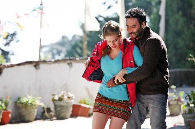 Ajay Devgn and Erika Kaar look adorable in this new still from ...