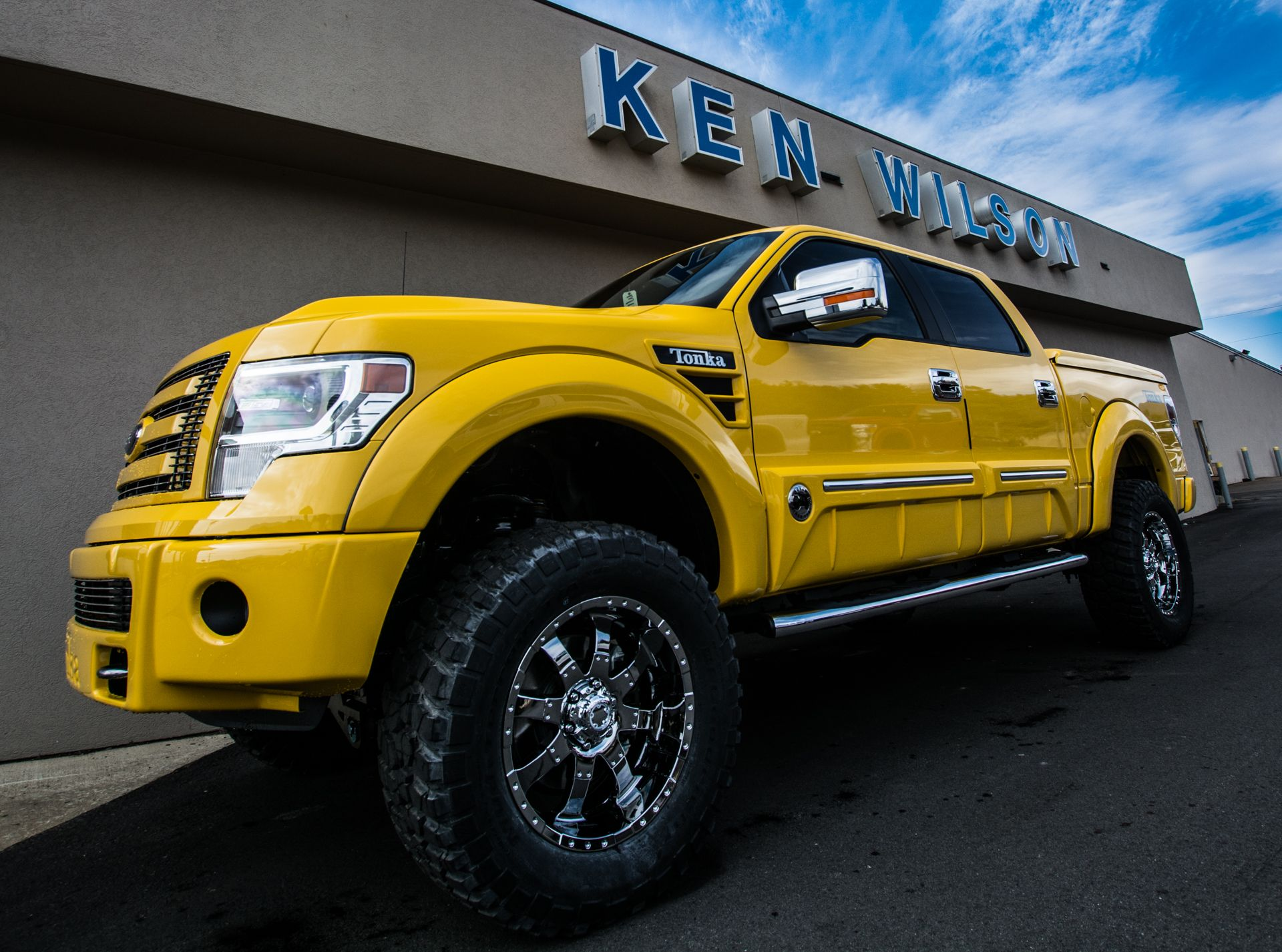 tonka edition f 150 from tuscany trucks 6 inch lift kit from pro comp km2 mud terrain tires. Black Bedroom Furniture Sets. Home Design Ideas
