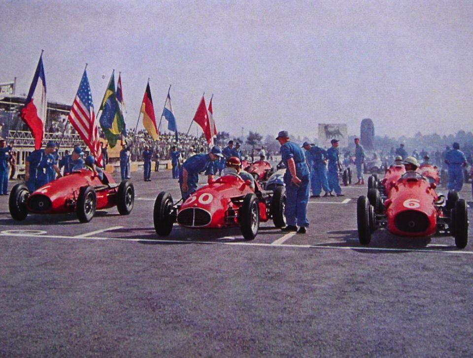 Gp Wloch Monza  Alberto Ascari Ferrari   Juan Manuel Fangio Maserati Agcm  Giuseppe Farina Ferrari