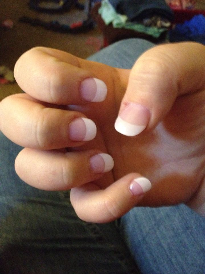 Rounded Tip French Acrylic Nails In My Opinion They Re More Professional And Look Somewhat Natural Unli Fake Nails French French Acrylic Nails French Nails