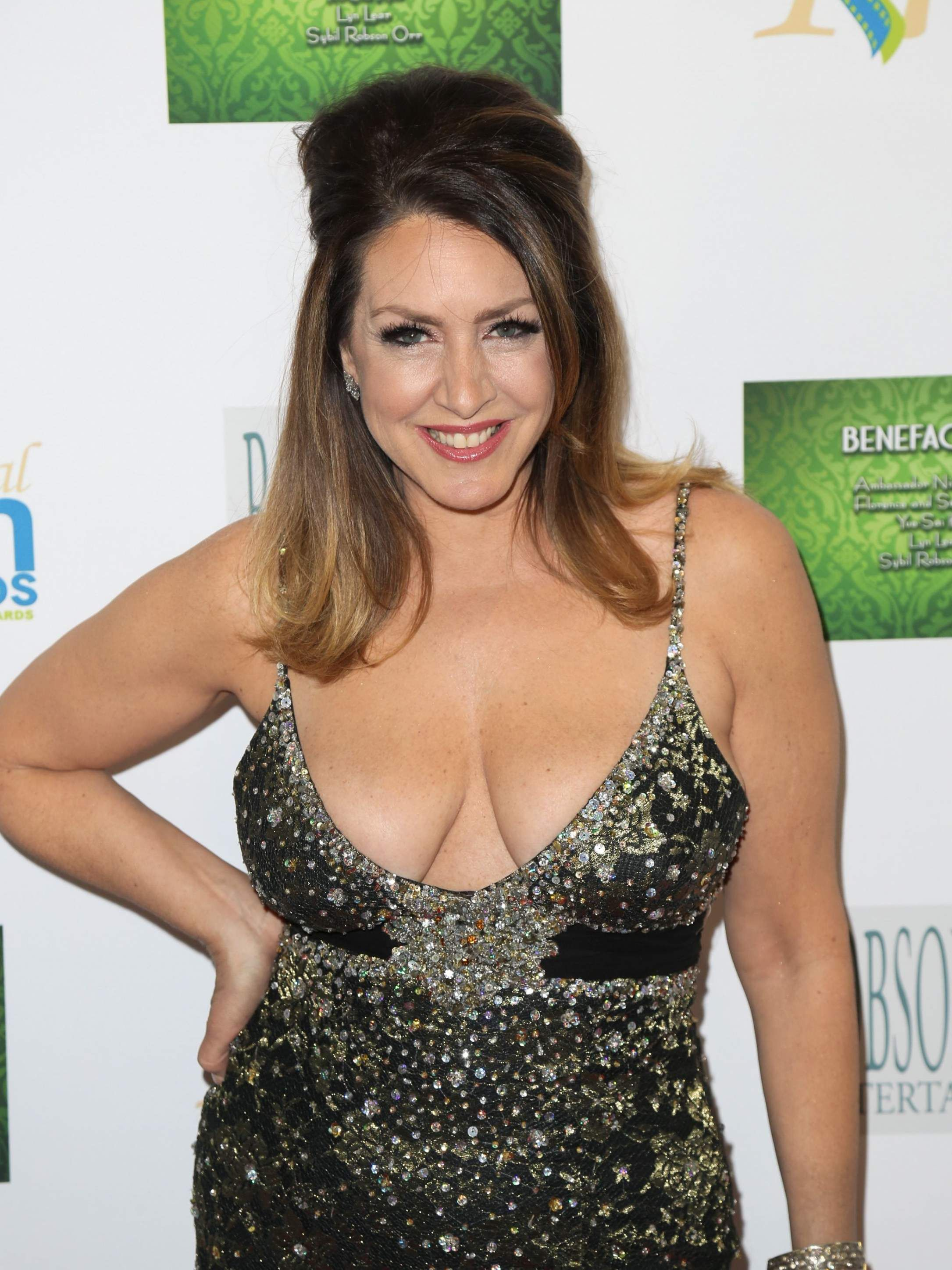 joely fisher nude pictures