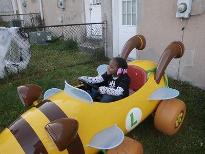 Mario Kart- Luigi Bumblebee Kart
