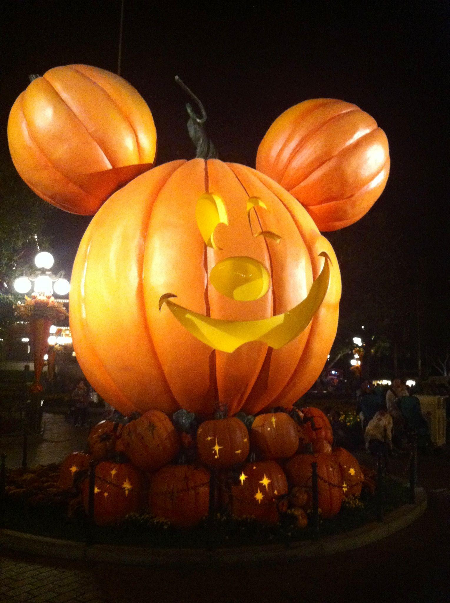 Mickey Mouse Pumpkin Head Halloween Time At Disneyland 92112