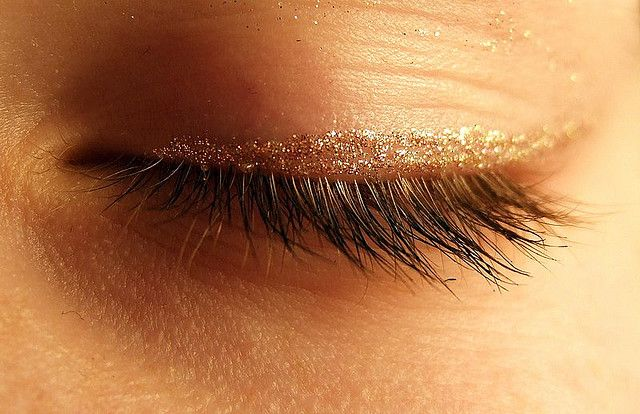Is Your Rough Dry And Swollen Eyelid Caused By An Eyelid