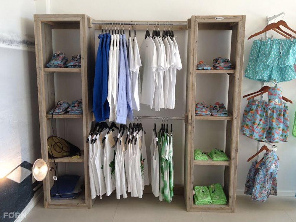 Bauholz Kleiderschrank mit Fächern und Stange - Bauholz Möbel